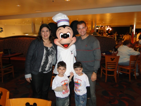 Encontro com personagens Mickey Chef Mickey`s Orlando