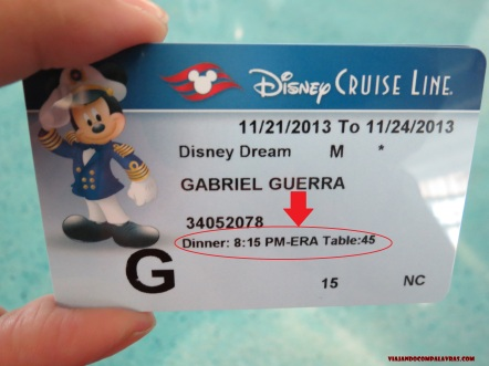 Key to the World com as informações do jantar Disney Dream Disney Cruise Line
