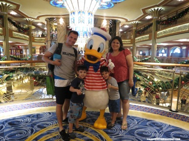 Encontro com personagens Disney Dream Disney Cruise Line