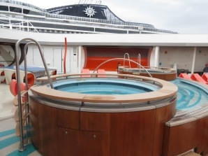 Piscina do Vibe Conhecendo o Disney Dream