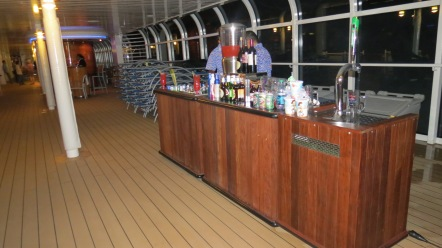 Bar na piscina Disney Dream Disney Cruise Line