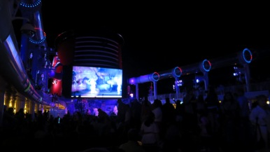 Festa no Disney Dream Disney Cruise Line