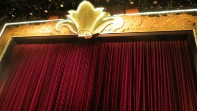 Palco do Walt Disney Theatre Disney Dream Disney Cruise Line