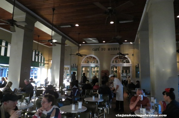 Cafe du Monde French Quarter New Orleans