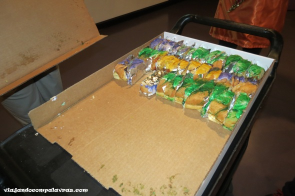 Bolo King Cake Mardi gras world tour