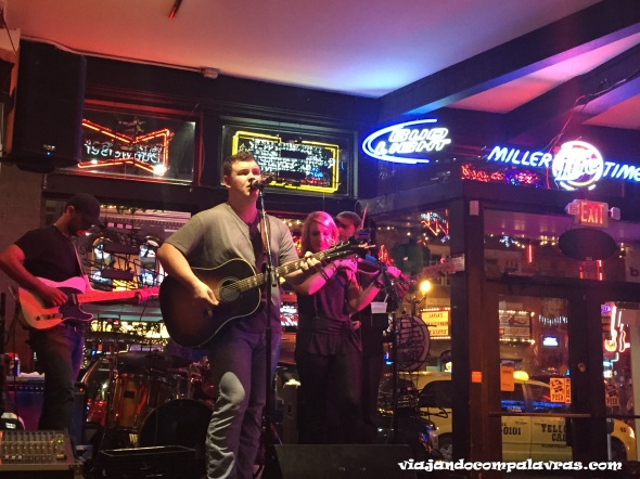 música country ao vivo Restaurante Rippy's Broadway street Nashville