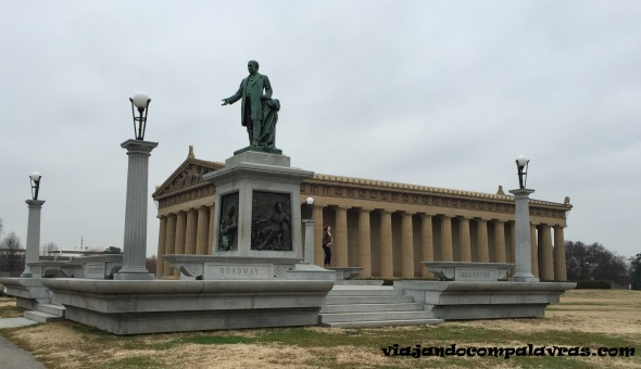 The Parthenon e Centennial Park em Nashville