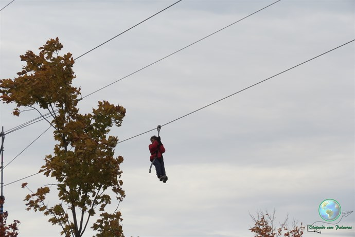 Tirolesa. MTL zipline, Old Port Montreal
